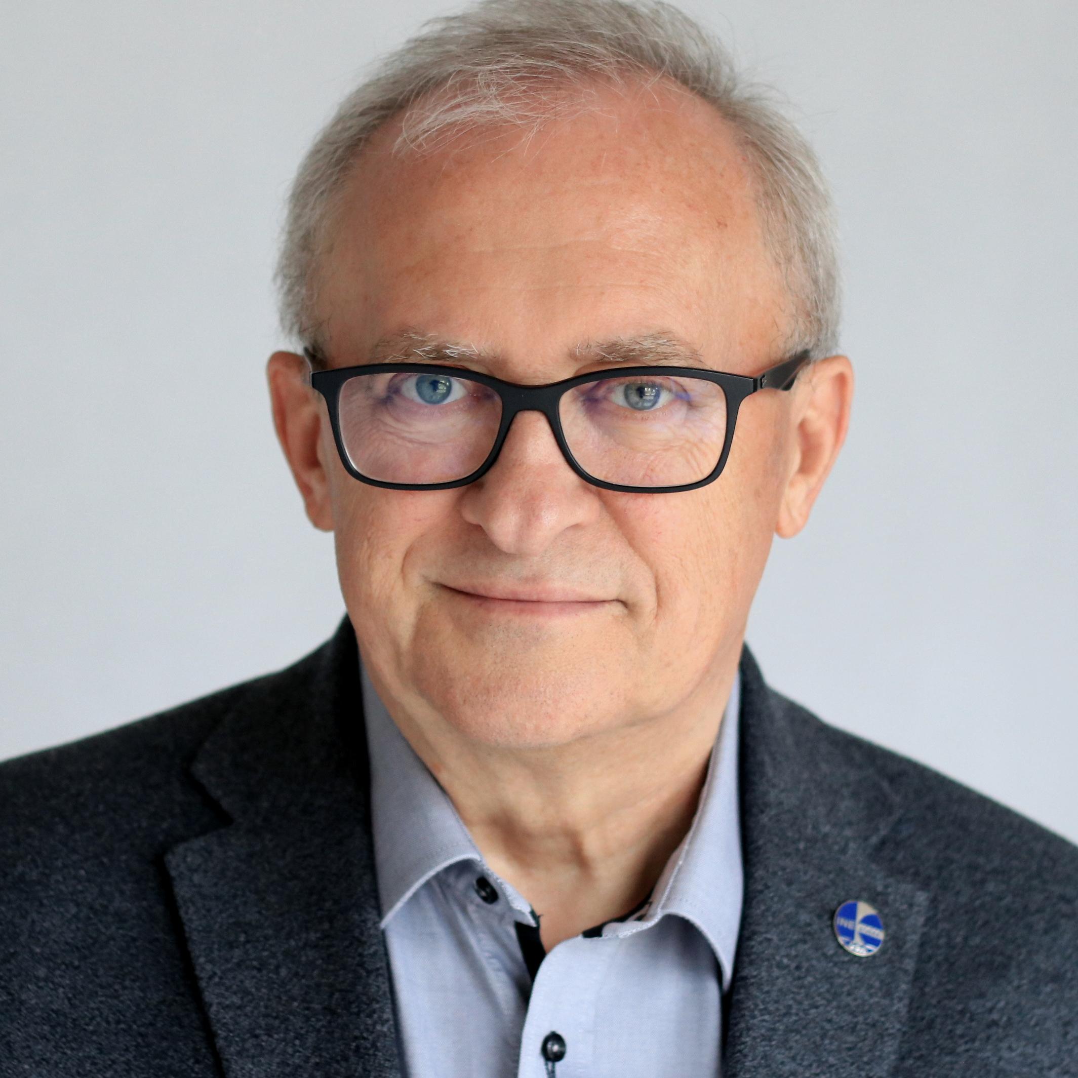 Krzysztof Fiech, DBA